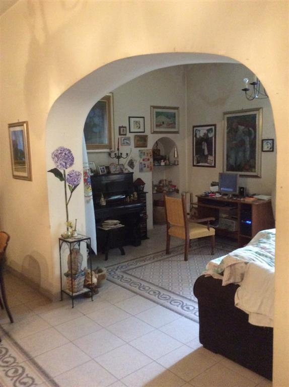 Soluzione Semindipendente in Vendita a Giffoni Valle Piana