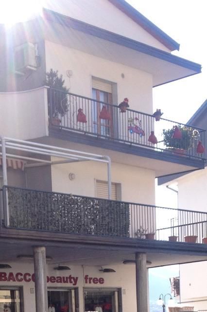 Appartamento in vendita a Giffoni Valle Piana, 5 locali, zona Zona: Mercato, prezzo € 168.000 | Cambio Casa.it