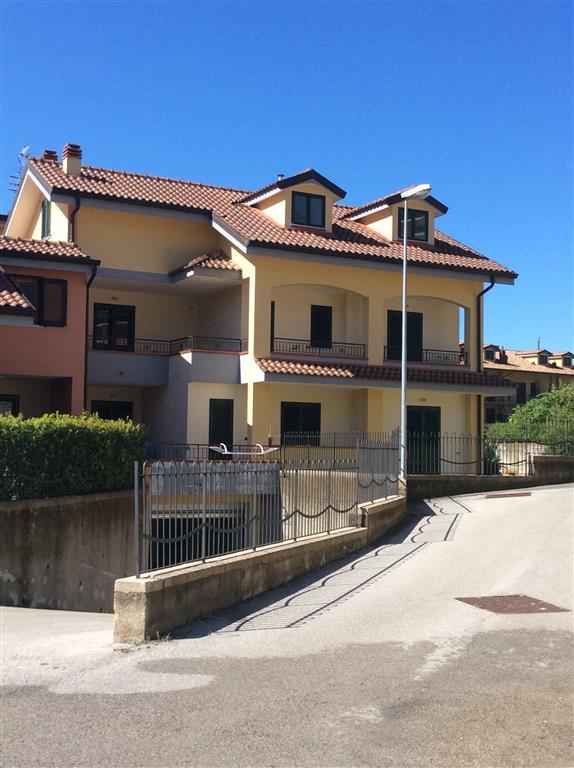 Appartamento in vendita a Giffoni Valle Piana, 4 locali, zona Zona: Mercato, prezzo € 280.000 | Cambio Casa.it