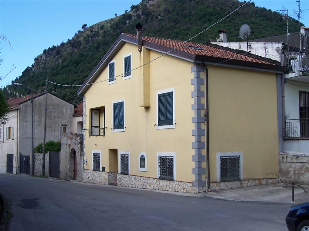 Soluzione Indipendente in vendita a Giffoni Valle Piana, 5 locali, zona Zona: Chieve, prezzo € 195.000 | Cambio Casa.it