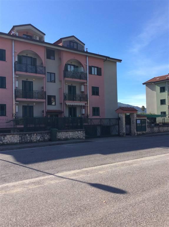 Appartamento in vendita a Giffoni Valle Piana, 4 locali, zona Zona: Mercato, prezzo € 190.000 | Cambio Casa.it