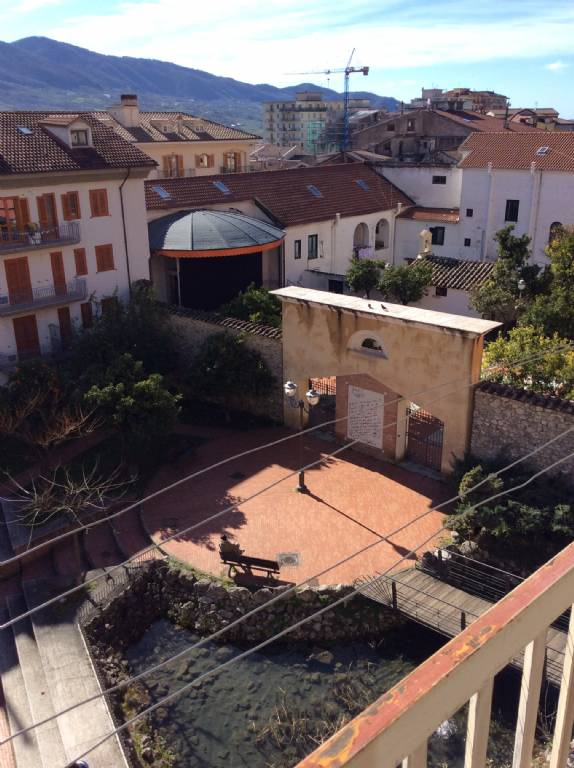 Appartamento in affitto a Giffoni Valle Piana, 4 locali, zona Zona: Mercato, prezzo € 500 | Cambio Casa.it
