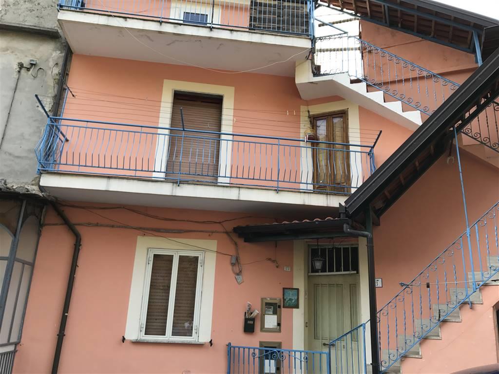 Soluzione Indipendente in vendita a Giffoni Valle Piana, 4 locali, Trattative riservate | CambioCasa.it