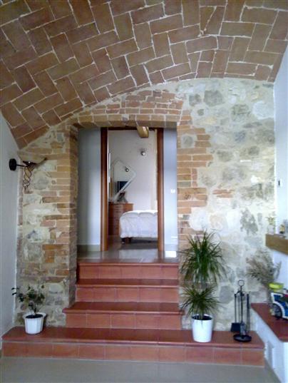 Rustico / Casale in vendita a Casole d'Elsa, 6 locali, prezzo € 275.000 | CambioCasa.it
