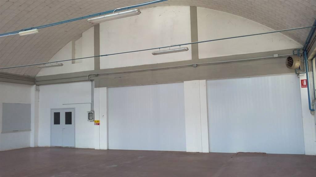 Capannone in affitto a Montepulciano, 2 locali, prezzo € 750 | CambioCasa.it