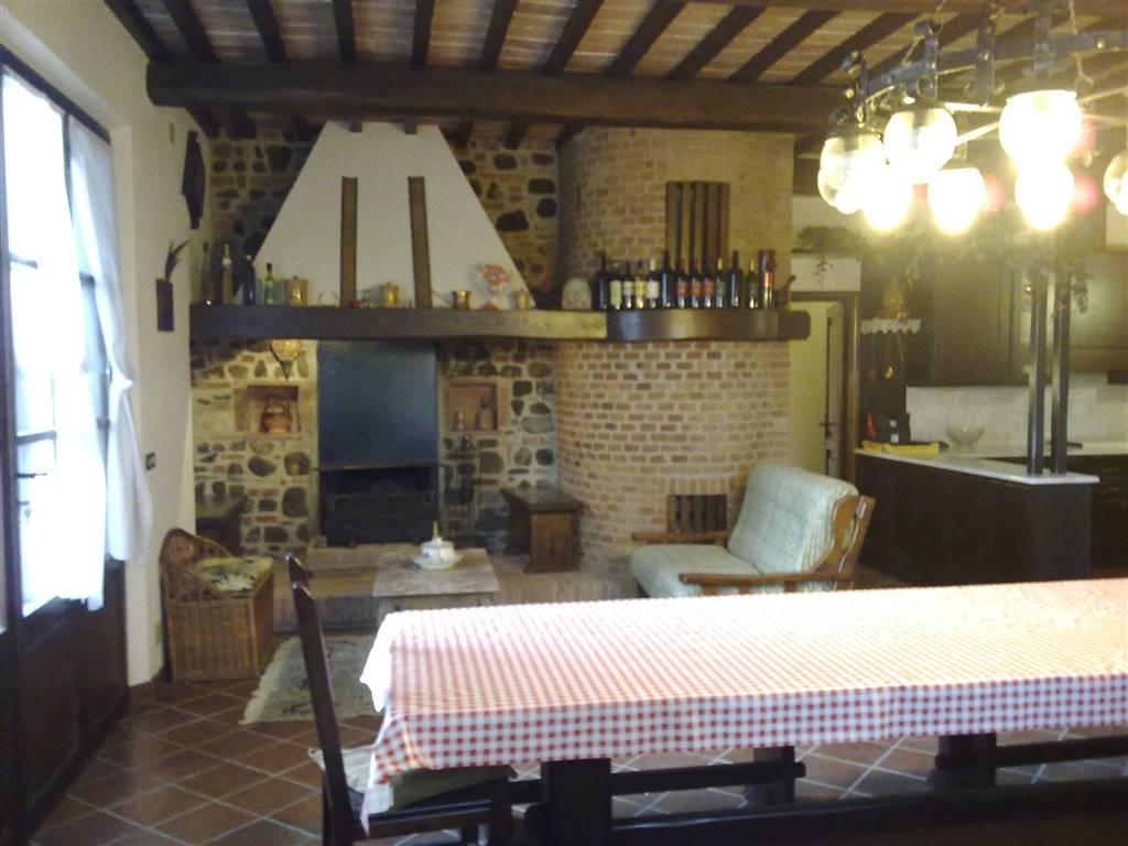 Villa in vendita a Chiusi, 12 locali, prezzo € 640.000 | CambioCasa.it