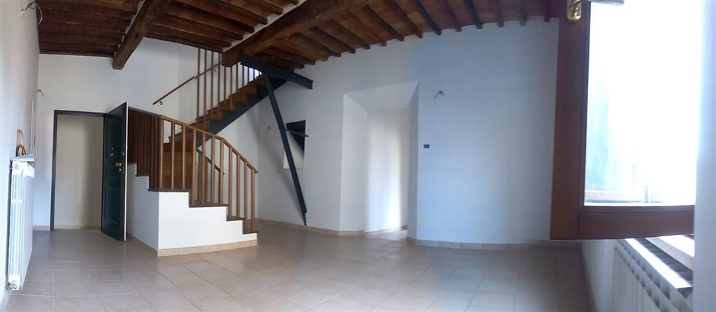 Appartamento in vendita a Sinalunga, 5 locali, prezzo € 290.000 | CambioCasa.it