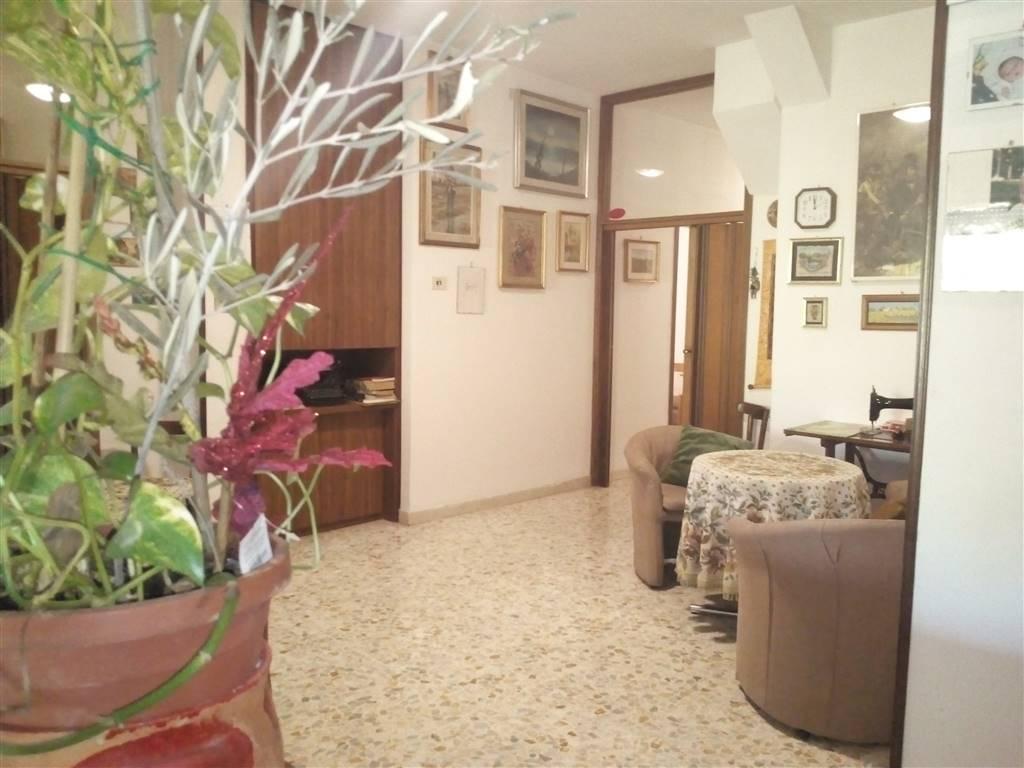 Albergo in vendita a Chianciano Terme, 18 locali, zona Località: CHIANCIANO TERME, prezzo € 290.000   CambioCasa.it