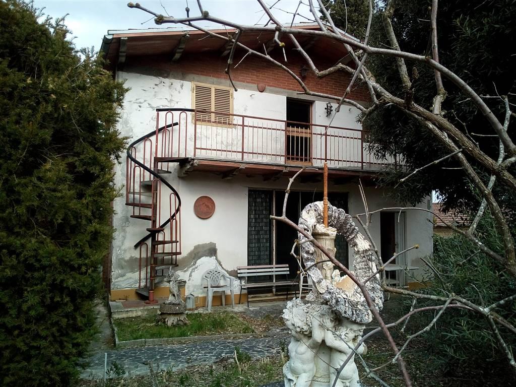 Villa in vendita a Montepulciano, 15 locali, zona Località: ABBADIA DI MONTEPULCIANO, prezzo € 380.000 | CambioCasa.it
