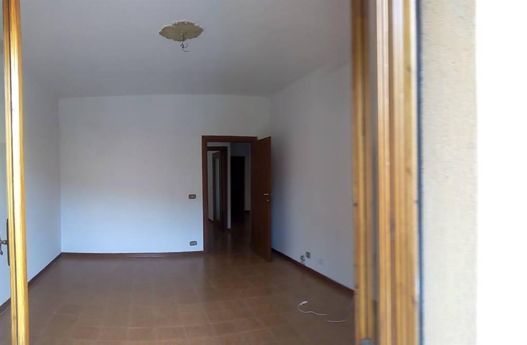 Appartamento in affitto a Chiusi, 5 locali, prezzo € 400   CambioCasa.it