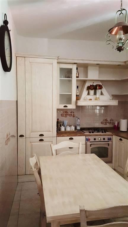 Appartamento in vendita a Sinalunga, 5 locali, prezzo € 86.000 | CambioCasa.it