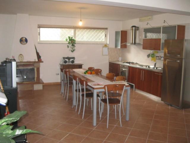 Villa in vendita a Capodrise, 6 locali, prezzo € 420.000 | Cambio Casa.it