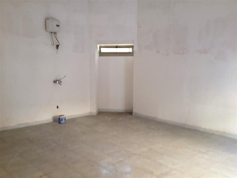Attività / Licenza in affitto a Capodrise, 1 locali, zona Località: ZONA CENTRALE, prezzo € 400 | Cambio Casa.it