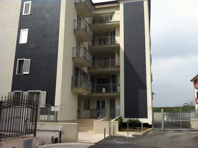 Appartamento in vendita a Recale, 3 locali, Trattative riservate | Cambio Casa.it