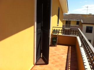 Attico / Mansarda in affitto a Capodrise, 4 locali, zona Località: ZONA RESIDENZIALE, prezzo € 370 | Cambio Casa.it