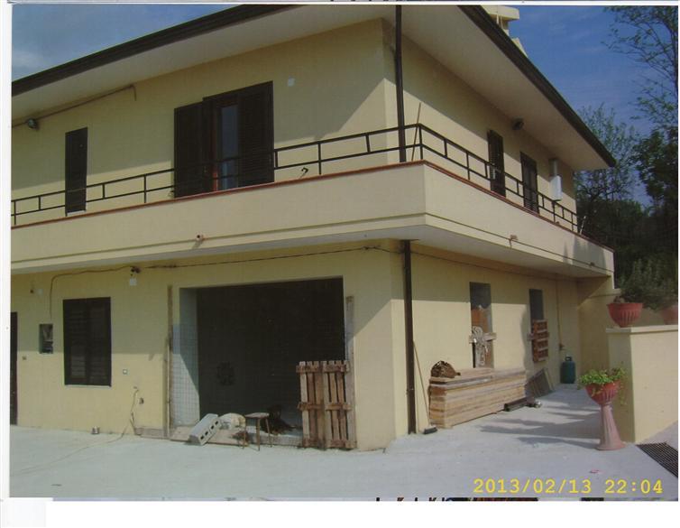 Soluzione Indipendente in vendita a Alvignano, 4 locali, prezzo € 230.000 | Cambio Casa.it