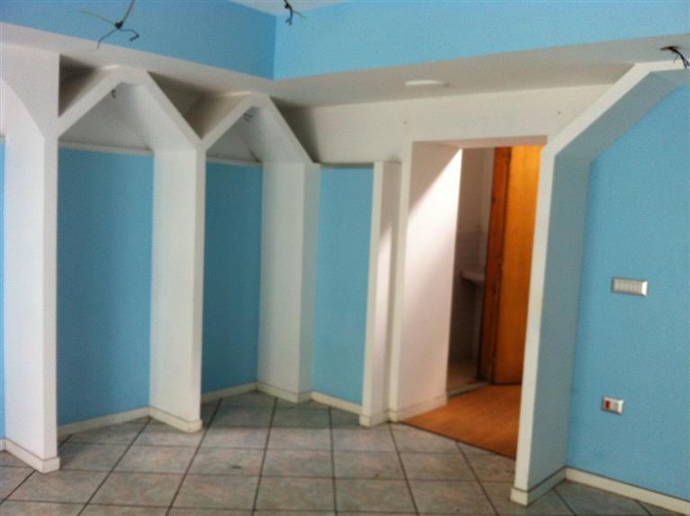 Negozio / Locale in affitto a Capodrise, 1 locali, prezzo € 300 | Cambio Casa.it