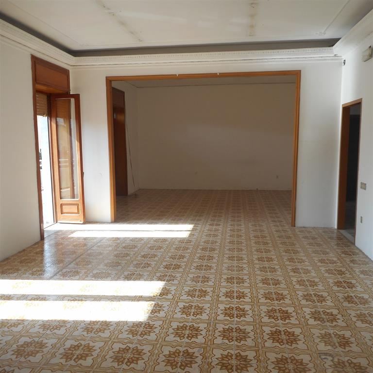 Ufficio / Studio in affitto a Capodrise, 5 locali, zona Località: ZONA RESIDENZIALE, prezzo € 800 | Cambio Casa.it