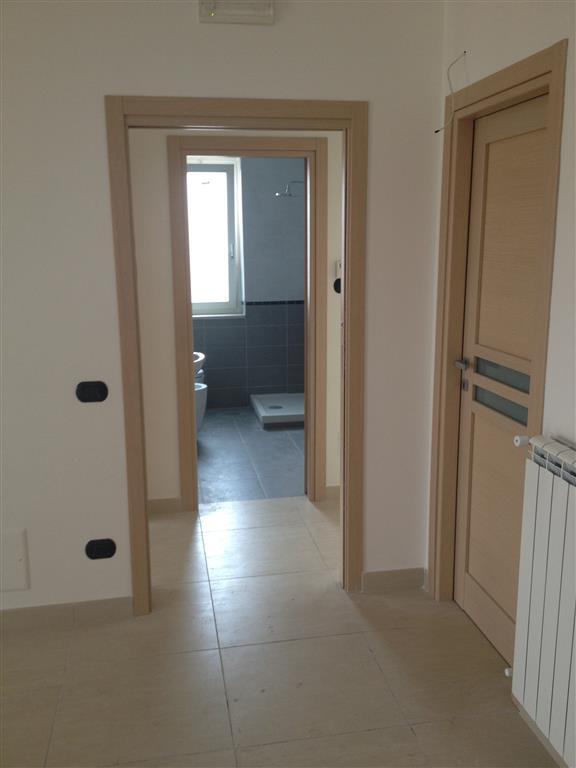 Appartamento in vendita a Marcianise, 3 locali, zona Località: CENTRO STORICO, prezzo € 150.000 | Cambio Casa.it