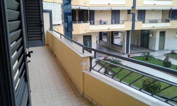 Appartamento in affitto a Capodrise, 3 locali, zona Località: ZONA CENTRALE, prezzo € 500 | CambioCasa.it