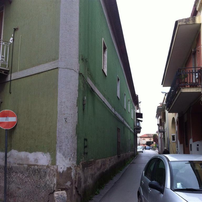 Soluzione Indipendente in vendita a Marcianise, 8 locali, zona Località: CENTRO STORICO, prezzo € 420.000 | Cambio Casa.it