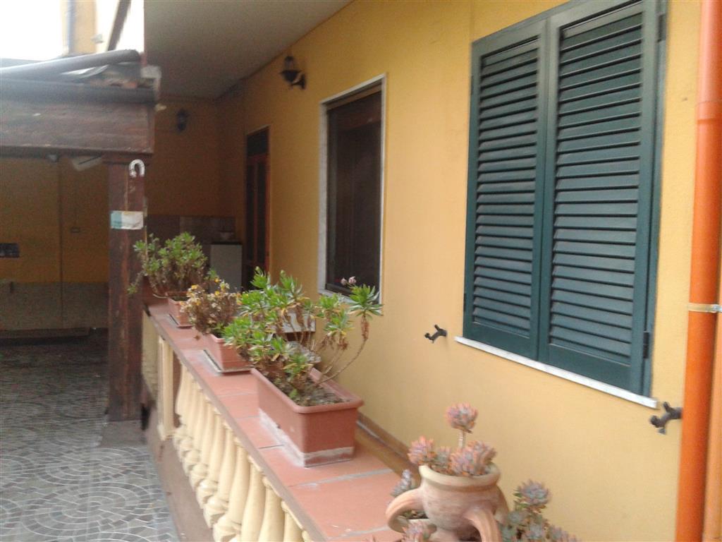 Palazzo / Stabile in Vendita a Marcianise