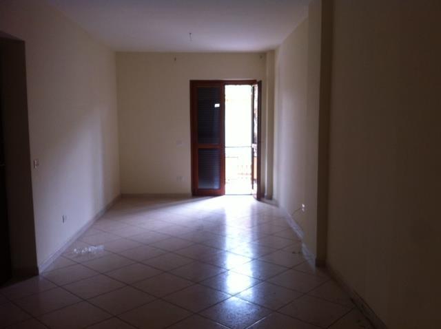 Appartamento in affitto a Capodrise, 3 locali, zona Zona: Botteghe, prezzo € 400 | Cambio Casa.it