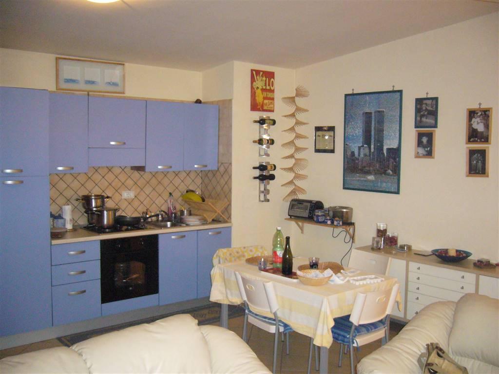 Appartamento in affitto a Capodrise, 2 locali, zona Località: ZONA CENTRALE, prezzo € 420 | Cambio Casa.it