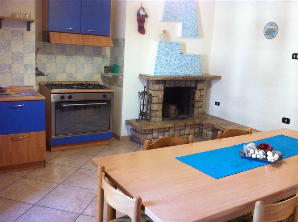 Appartamento in affitto a Capodrise, 3 locali, zona Località: ZONA CENTRALE, prezzo € 350 | Cambio Casa.it