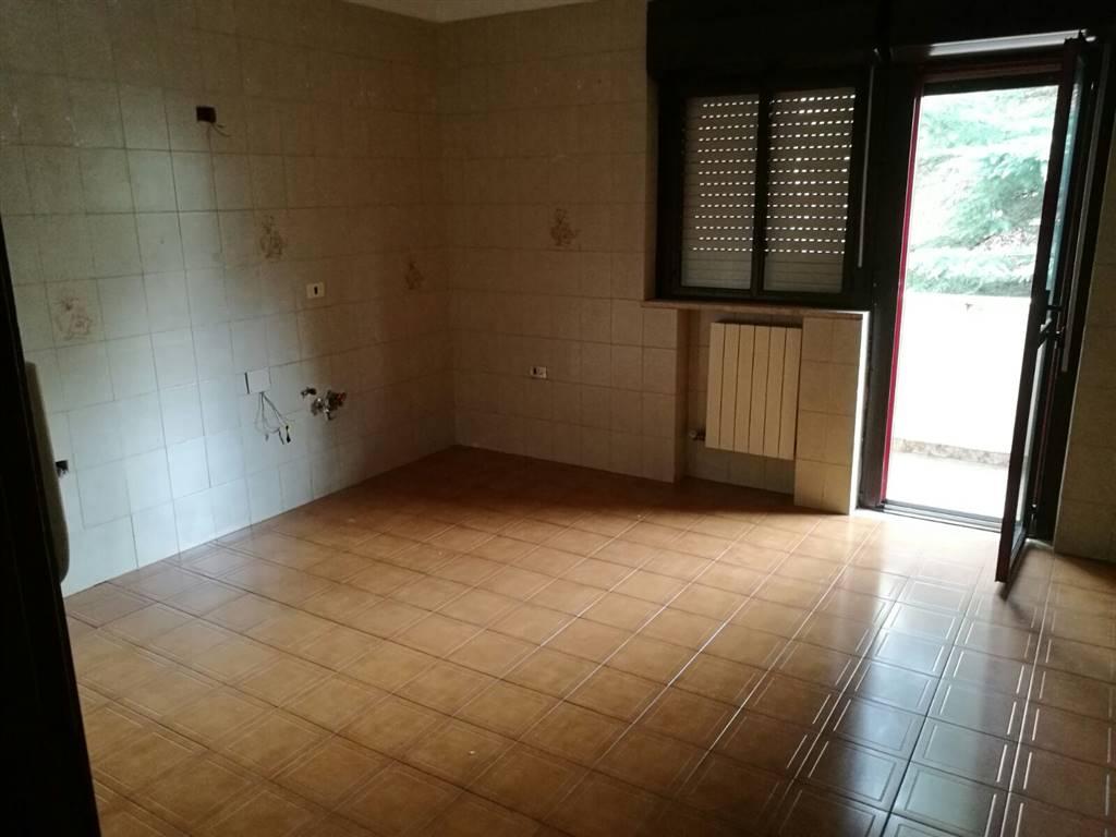 Appartamento in affitto a Marcianise, 4 locali, prezzo € 350 | Cambio Casa.it