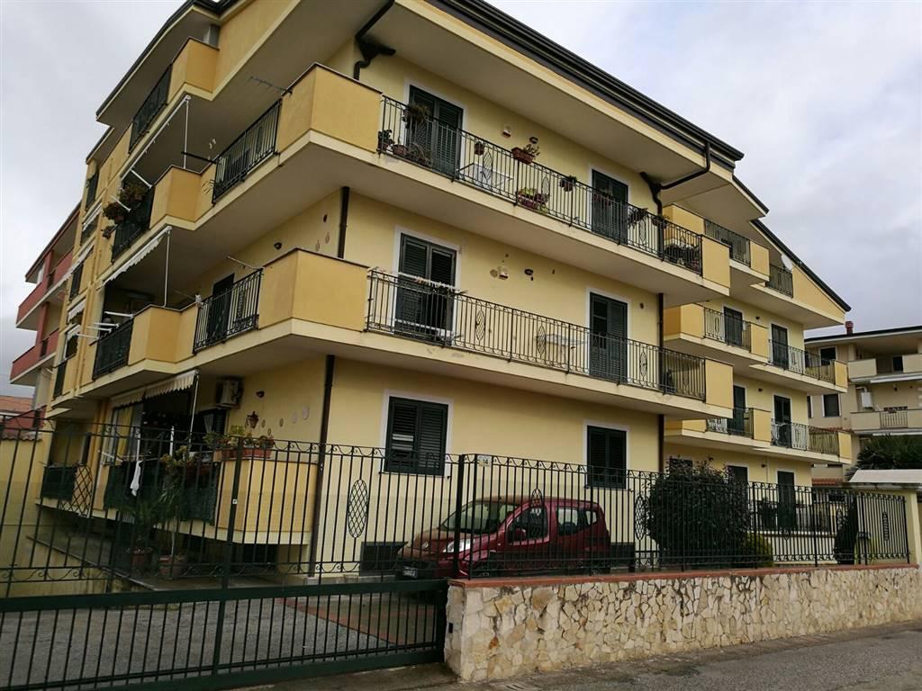 Appartamento in vendita a Macerata Campania, 3 locali, zona Zona: Caturano, prezzo € 115.000 | Cambio Casa.it