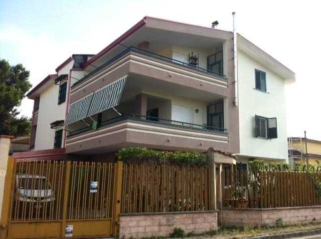 Appartamento in affitto a Capodrise, 5 locali, zona Località: ZONA RESIDENZIALE, prezzo € 600 | Cambio Casa.it