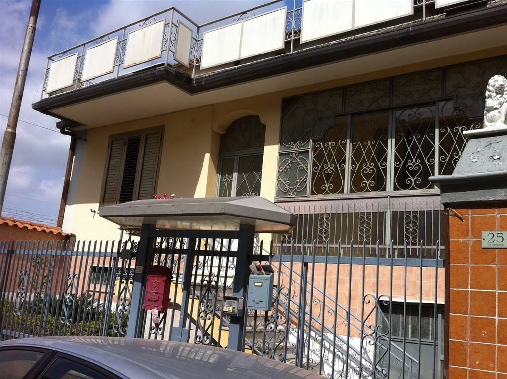Soluzione Indipendente in vendita a Recale, 5 locali, Trattative riservate | Cambio Casa.it