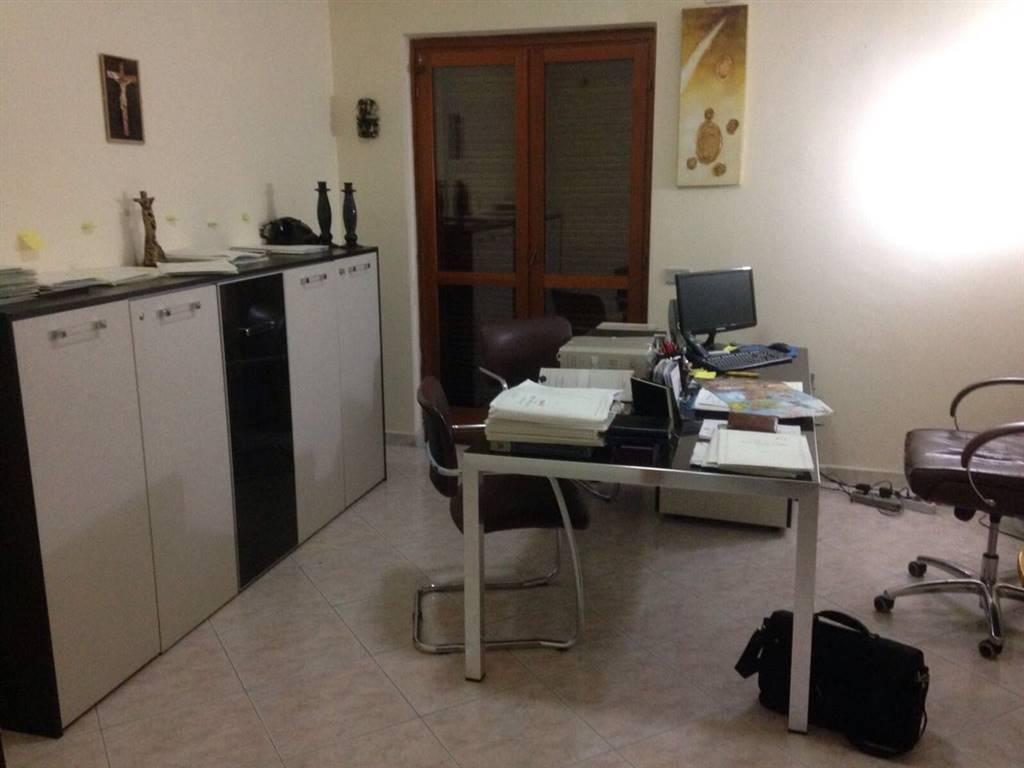 Appartamento in vendita a Marcianise, 3 locali, zona Località: CENTRO STORICO, prezzo € 120.000 | Cambio Casa.it