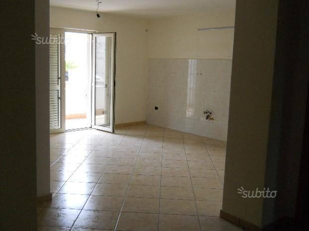 Appartamento in affitto a Recale, 3 locali, prezzo € 400   CambioCasa.it
