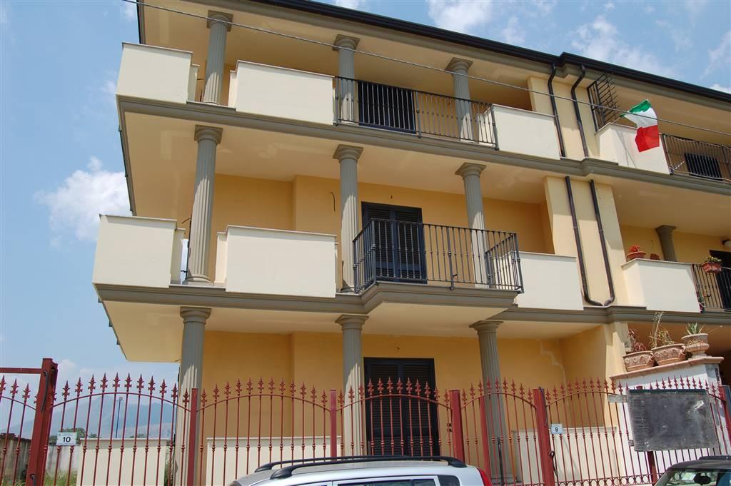 Appartamento in vendita a Macerata Campania, 7 locali, Trattative riservate | CambioCasa.it