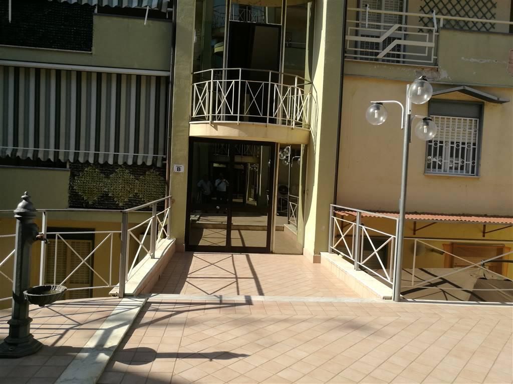 Appartamento in vendita a Portico di Caserta, 3 locali, prezzo € 75.000 | CambioCasa.it