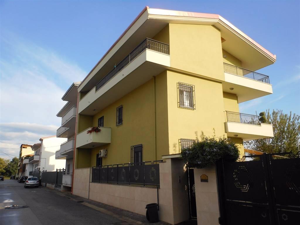 Soluzione Indipendente in vendita a Macerata Campania, 7 locali, Trattative riservate | CambioCasa.it