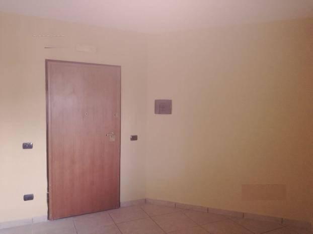 Appartamento in affitto a Capodrise, 4 locali, prezzo € 450 | CambioCasa.it