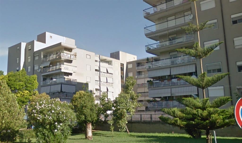 Appartamento in vendita a Battipaglia, 4 locali, prezzo € 165.000 | Cambio Casa.it