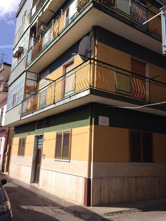 Appartamento in vendita a Battipaglia, 5 locali, prezzo € 59.000 | Cambio Casa.it