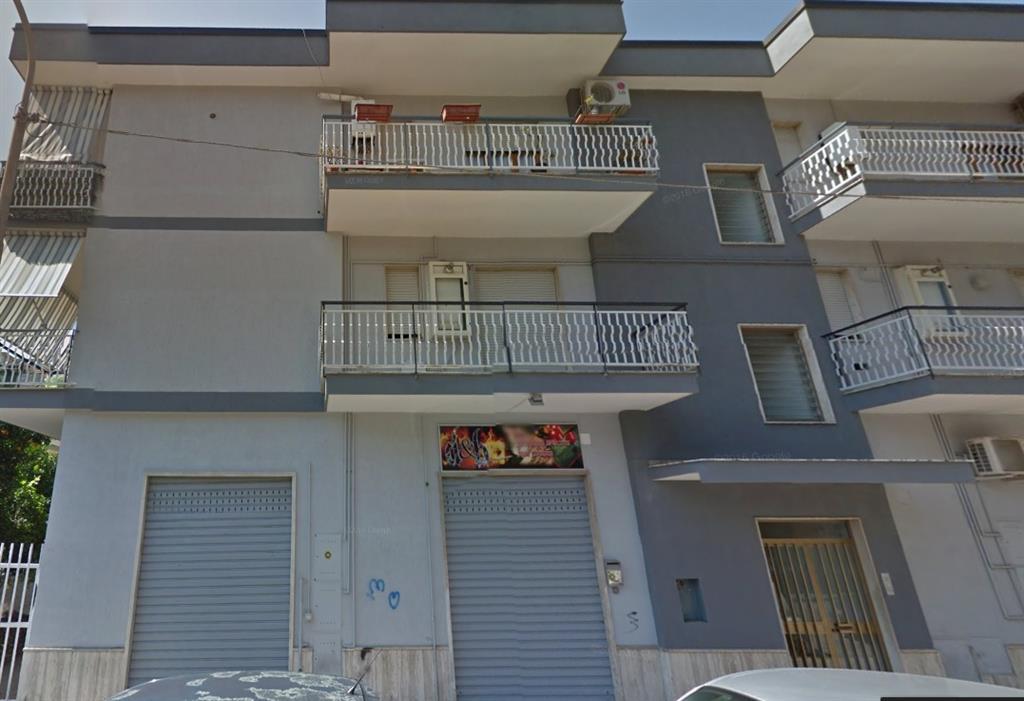 Negozio / Locale in vendita a Battipaglia, 9999 locali, prezzo € 90.000   Cambio Casa.it
