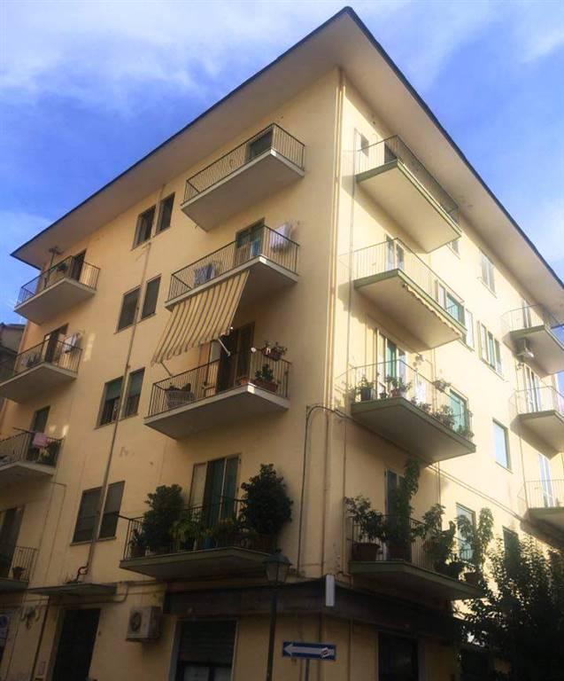 Appartamento in vendita a Battipaglia, 3 locali, prezzo € 85.000 | Cambio Casa.it