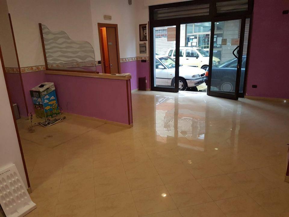 Negozio / Locale in vendita a Battipaglia, 1 locali, prezzo € 75.000   Cambio Casa.it