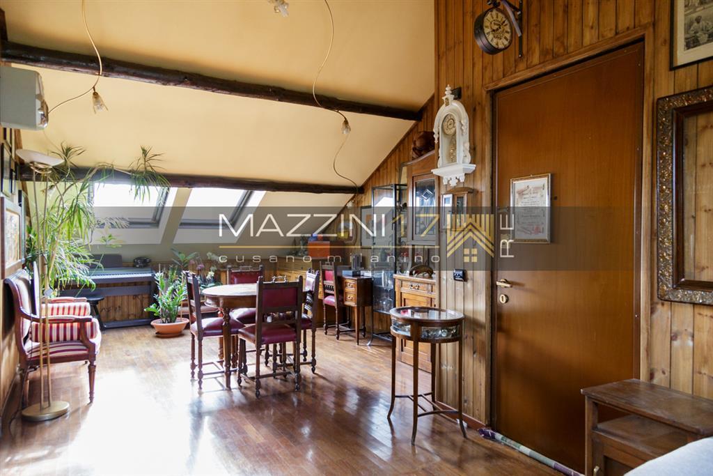 Attico / Mansarda in vendita a Bollate, 3 locali, prezzo € 165.000 | Cambio Casa.it