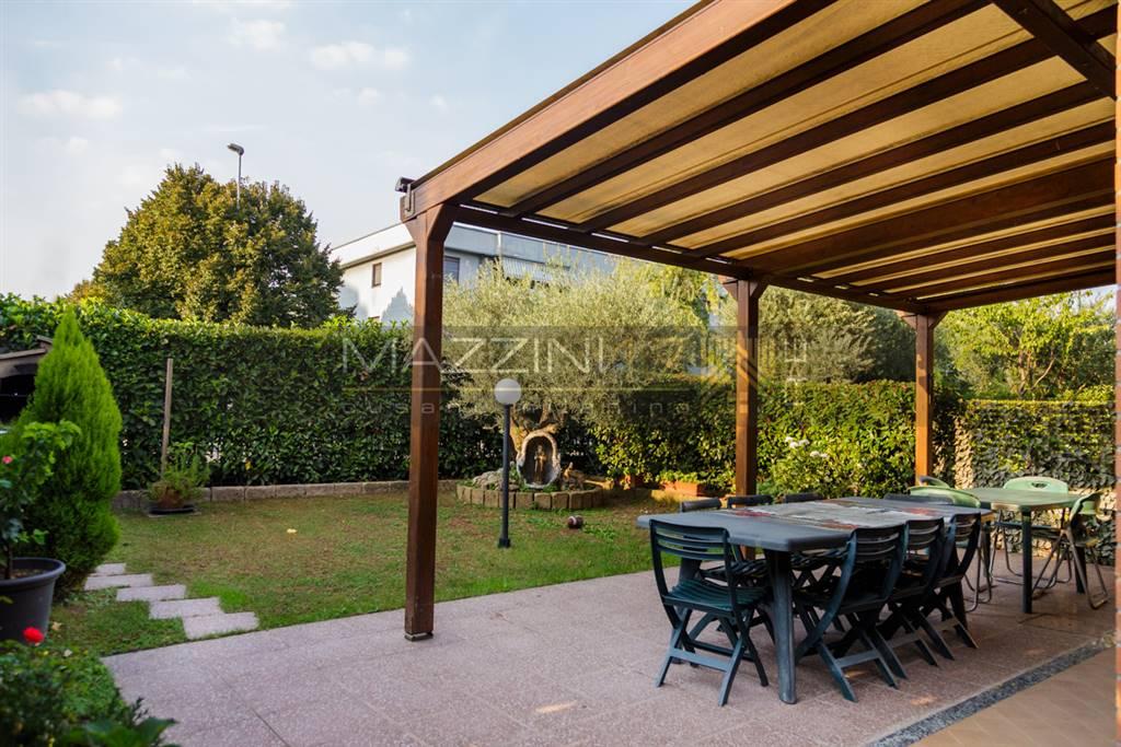 Villa-Villetta  in Vendita a Cinisello Balsamo