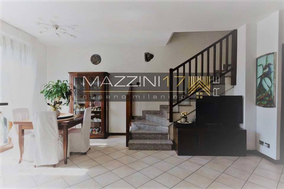 Villa in vendita a Cormano, 5 locali, zona Zona: Cormano-Centro, prezzo € 410.000 | CambioCasa.it
