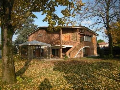 Villa in vendita a Forlì, 7 locali, zona Località: CARPINELLO, prezzo € 780.000   Cambio Casa.it