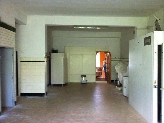 Negozio / Locale in vendita a Forlì, 9999 locali, zona Zona: Cava, prezzo € 250.000   Cambio Casa.it