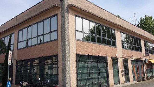 Laboratorio in affitto a Forlì, 3 locali, zona Zona: Semicentro, prezzo € 1.200 | Cambio Casa.it